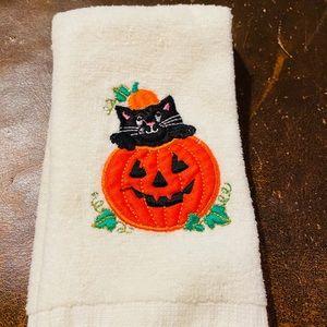 1 Jack O'Lantern Black Cat Tip Towel EUC NWOT